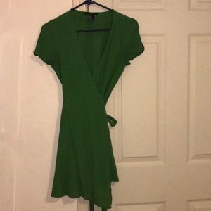Green wrap dress sz s